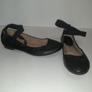 Audrey Brooke Sz: 8.5 Black Flats